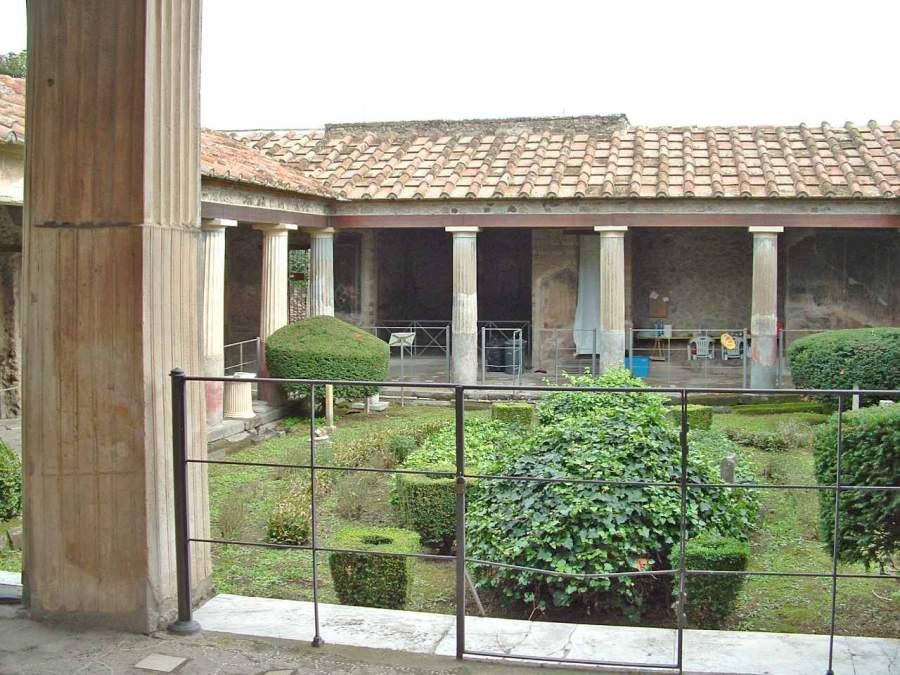 Pompei concluso il restauro della casa degli amorini dorati for Planimetrie della casa degli artigiani