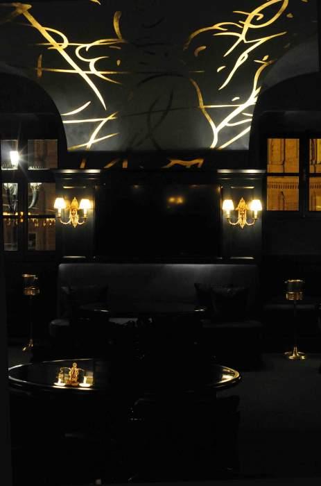 Torino l 39 arte contemporanea entra nel ristorante di cavour for Torino contemporanea