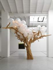 Jacob Hashimoto, «Tree III», 2008. Courtesy Studio la Città, Verona.