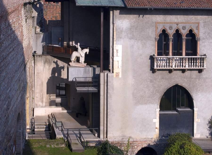 Museo Di Castelvecchio.I Cinquant Anni Di Castelvecchio Capolavoro Del Novecento Nel Segno