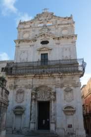 La chiesa di Santa Lucia alla Badia in cui è attualmente esposto il «Seppellimento di santa Lucia» di Caravaggio