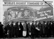 Margaret Bourke-White, «At the time of the Louisville flood, Louisville, Kentucky, 1937» © Margaret Bourke-White, courtesy Getty Images