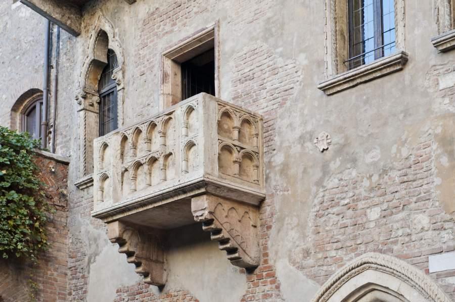 Il Balcone Di Giulietta Restaurato E «Adottato»