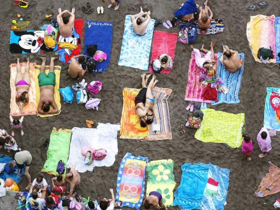 Martin Parr «Sorrento» (2014). Foto: Martin Parr, Magum Photos from the series Beach Therapy