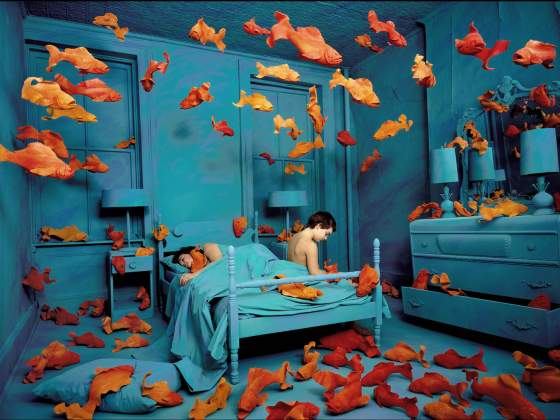 «New revenge of the goldfish», del 1981, di Sandy Skoglund. Foto © Sandy Skoglund, courtesy Paci Contemporary Gallery, Brescia-Porto Cervo