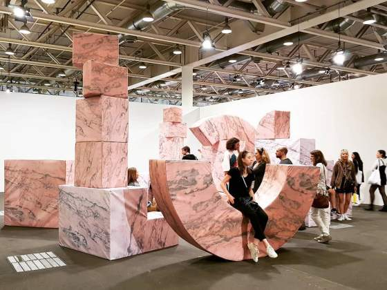 «Post-Ruin (Pink)» di Andreas Angelidakis nella sezione «Unlimited» ad Art Basel
