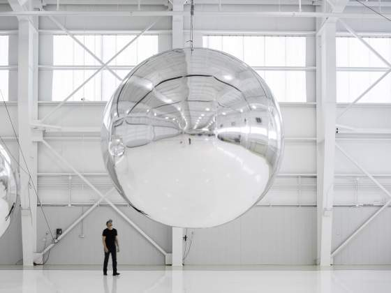 «Prototype for a Nonfunctional Satellite» (2013). © Cortesia dell'artista e di Altman Siegel, San Francisco