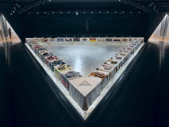 Judy Chicago, «The Dinner Party», 1974–79. New York, Brooklyn Museum. Dono della Elizabeth A. Sackler Foundation